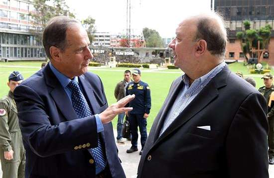 El ELN tendrá que suspender los secuestros y ataques a petroleras: Santos
