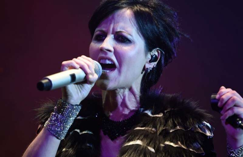 Muere vocalista de la agrupación The Cranberries