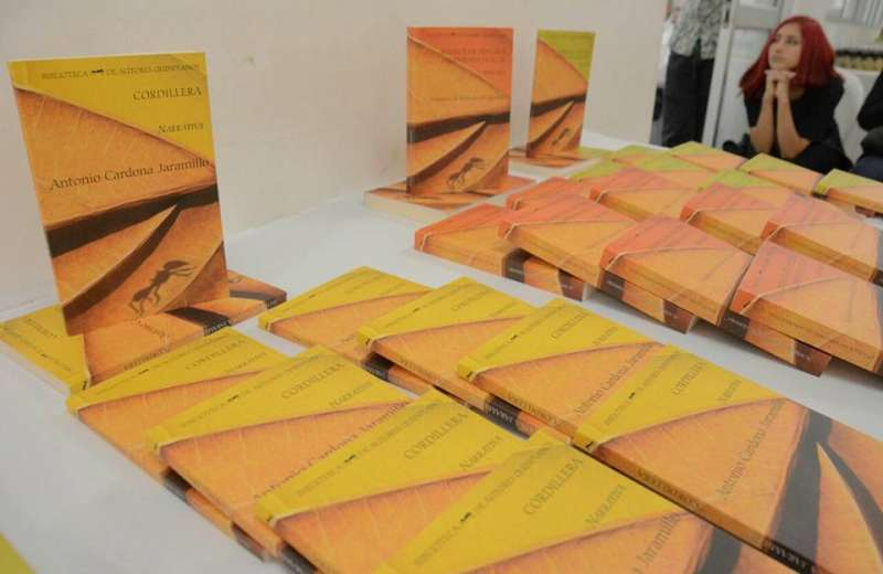 Se evaluan las obras recibidas para hacer parte de la biblioteca de autores quindianos