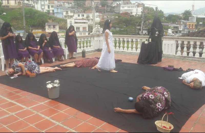 Violetas: Una obra de teatro incluyente con mujeres de la tercera edad