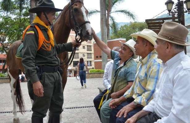 La Misión Carabinera hace presencia en Calarcá
