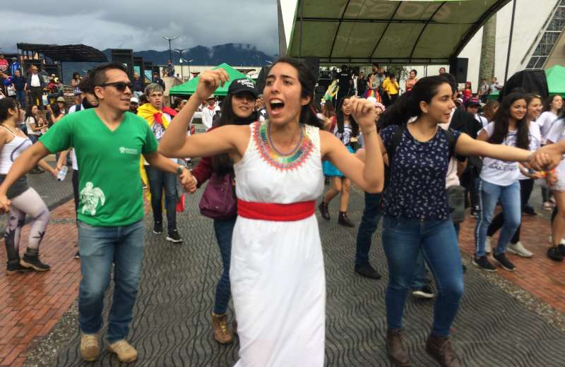Cuestionamientos al gobernador y a los congresistas quindianos durante la Marcha Carnaval
