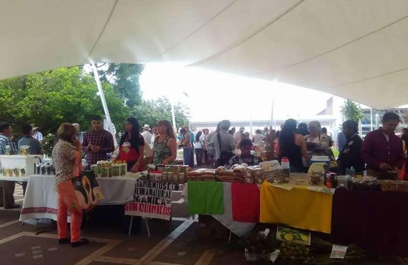 El mercado agroecológico es hoy en el parque el Bosque