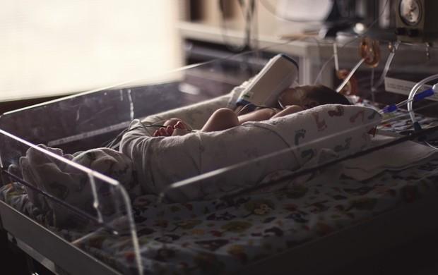 Madre regala a su bebé en billar de Armenia