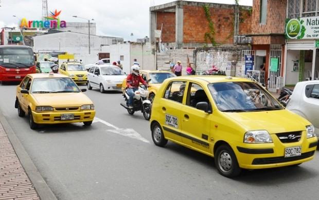 Autoridades adelantan campaña para combatir la informalidad en el transporte urbano de pasajeros.