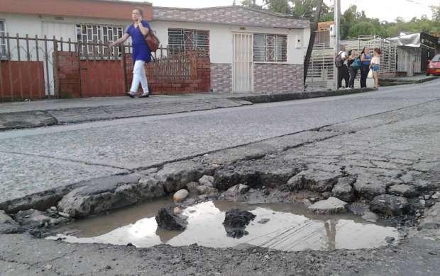 Algunas calles de la comuna 6 piden reconstrucción