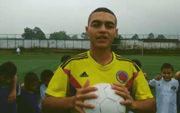 Joven futbolista busca el apoyo para lograr el sueño de jugar en Argentina