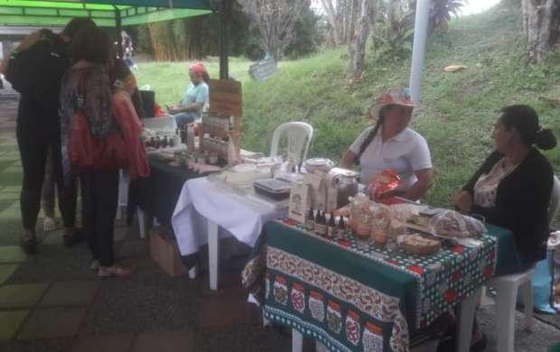 De nuevo Mercado Agroecológico en el parque El Bosque