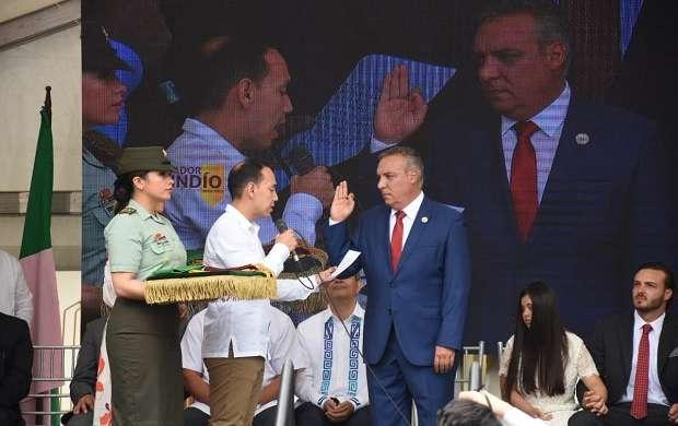 Posesión-Gobernador Roberto Jairo Jaramillo